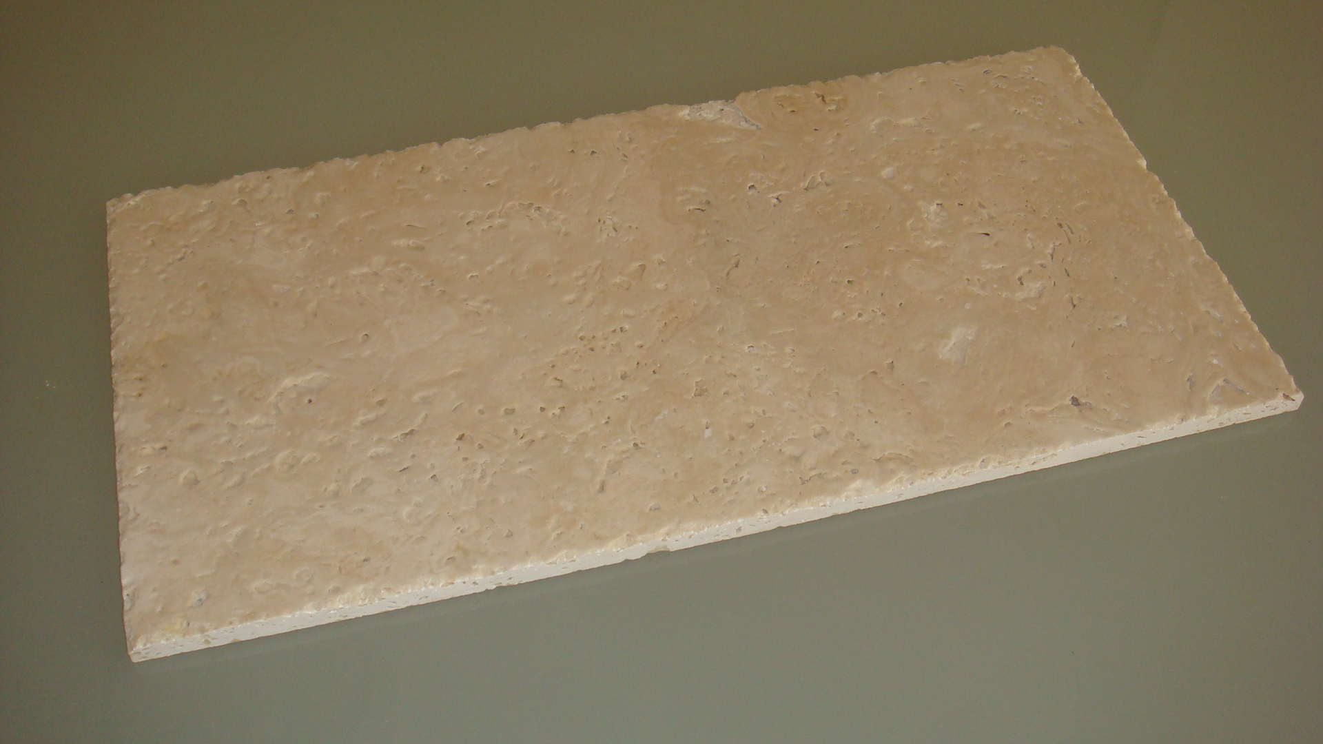 Ivory sbrecciato e spazzolato