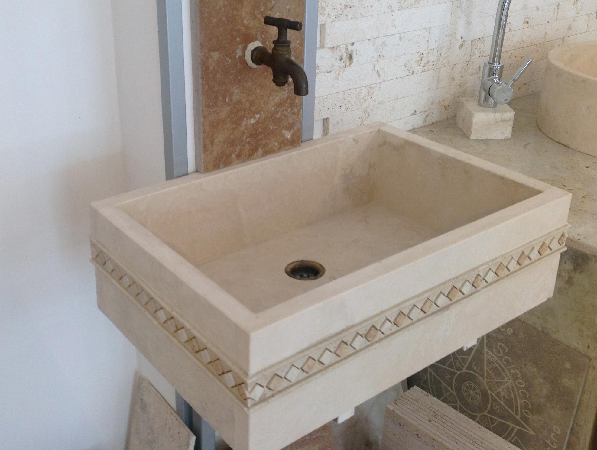 travertino lavabo-quadrato